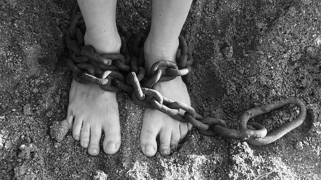 chains on feet image